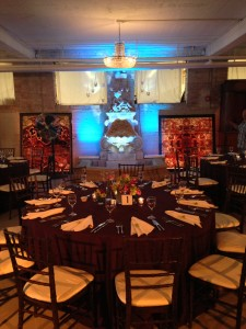 Head table was centered in the room, with the fountain as the back drop and a cool lighting effect.